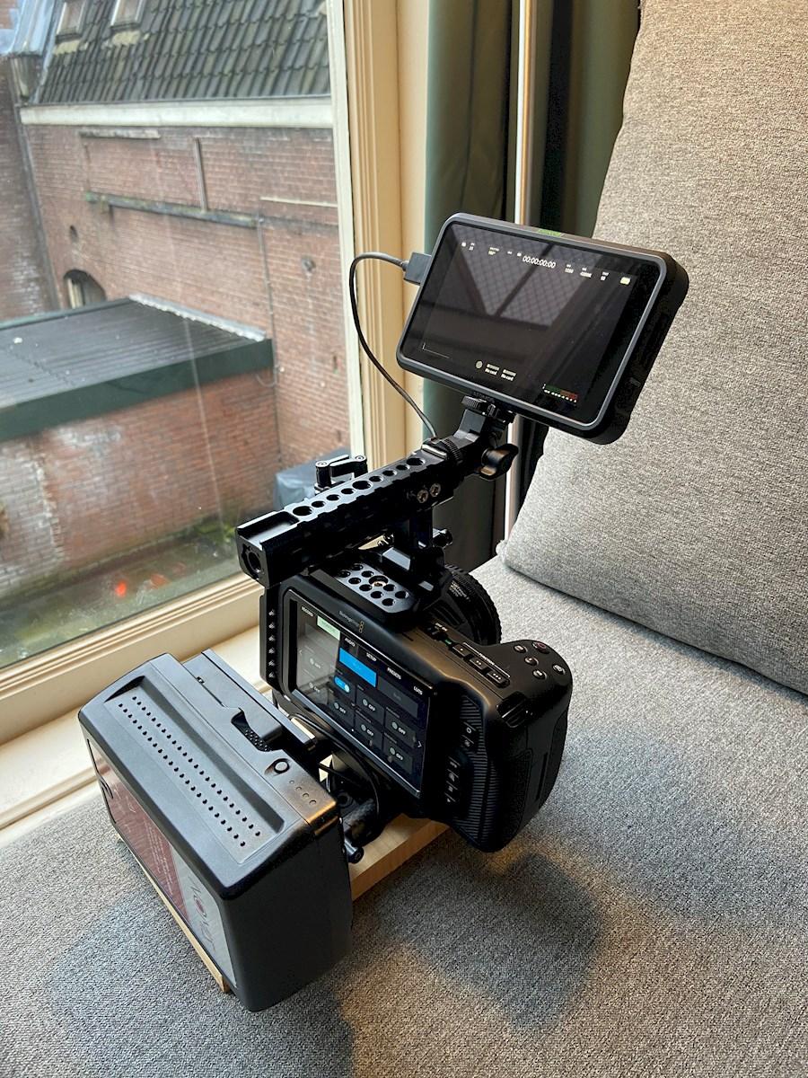 Rent a Blackmagic Pocket Cinema Camera 4k Set (Speedbooster - V-lock - SSD - Cage - Handle - Monitor) in Utrecht from Charlie