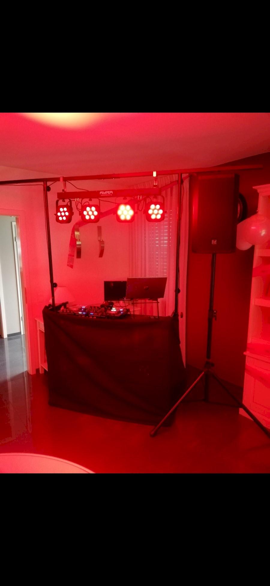 Rent a American DJ DJ-MTS 4 in Groessen from Stijn