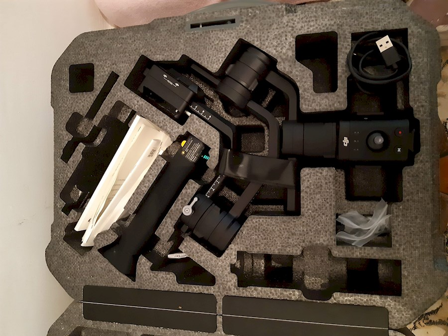 Rent a Stabilisateur DJI Ronin S in Toulouse from Ashref