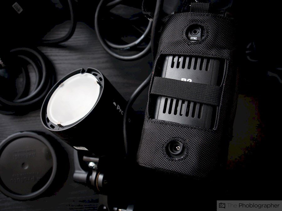 Rent Profoto B2 set met CAN... from CAT'CHY IMAGES
