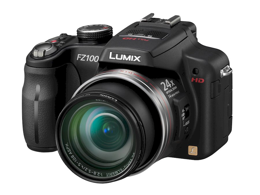 Rent a Panasonic  Lumix DMC-FZ100 in Papenhoven from V.O.F. CAMERA SERVICE LIMBURG