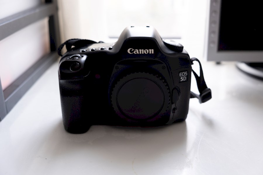 Rent a Canon EOS 5D Mark 1 (Classic) in Antwerpen from Kevin