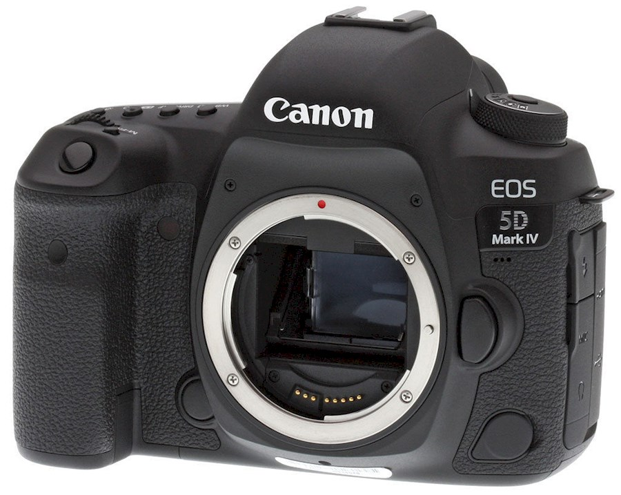 Rent a Canon 5D mark IV in Paris from Alexandre