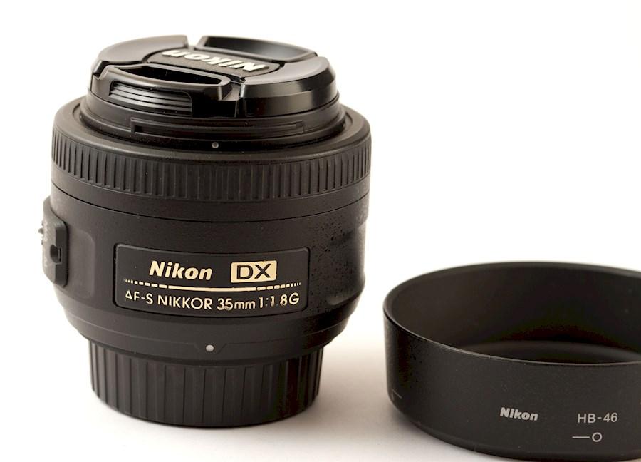 Louez Nikon AF-S DX 35mm f/1.8G de Sten