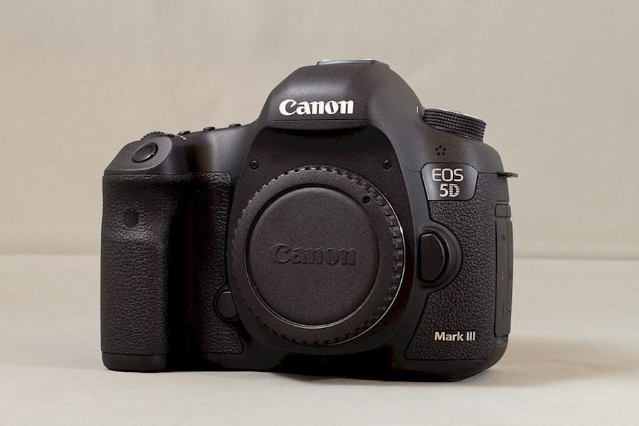 Huur een Canon EOS 5D MARK III in Papenhoven van V.O.F. CAMERA SERVICE LIMBURG