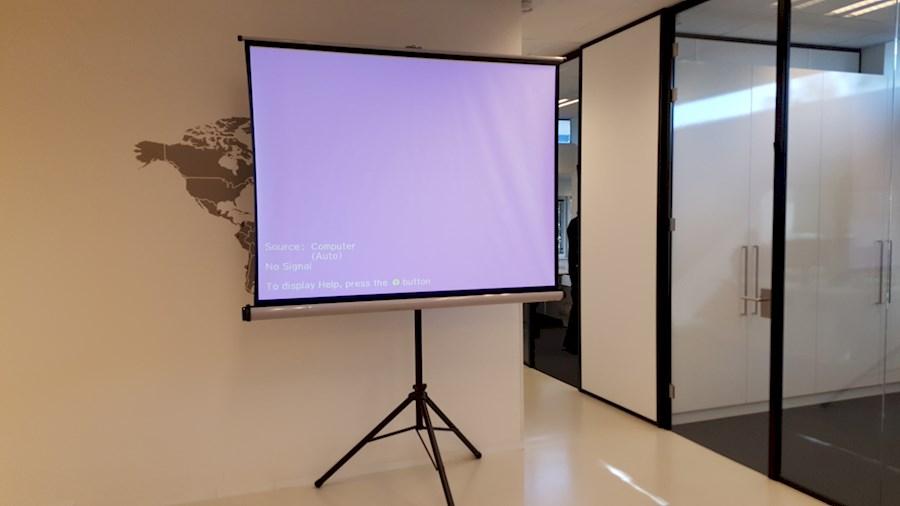 Huur Projectiescherm van BVBA 88 KEYS
