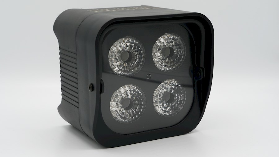 Huur een LED licht 4x12W met interne accu in Woudsend van Willem