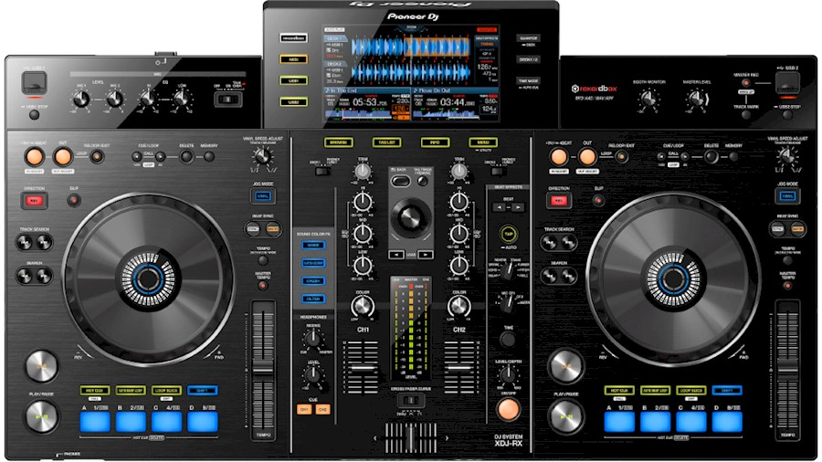 Rent Pioneer XDJ RX from Julien
