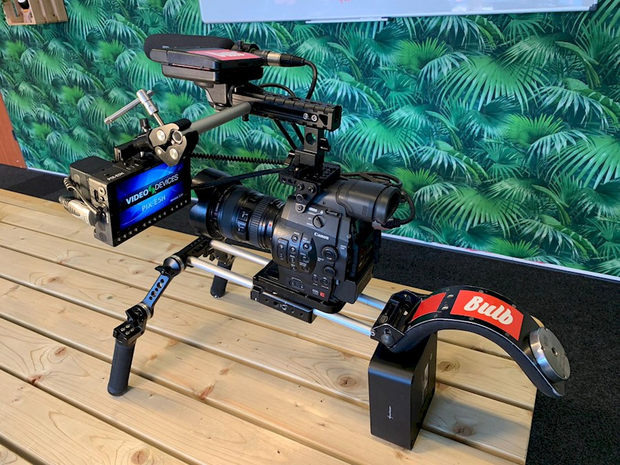 Louer un(e) Uitgebreide Canon C300 set (ready to go!) à Breda de Pim