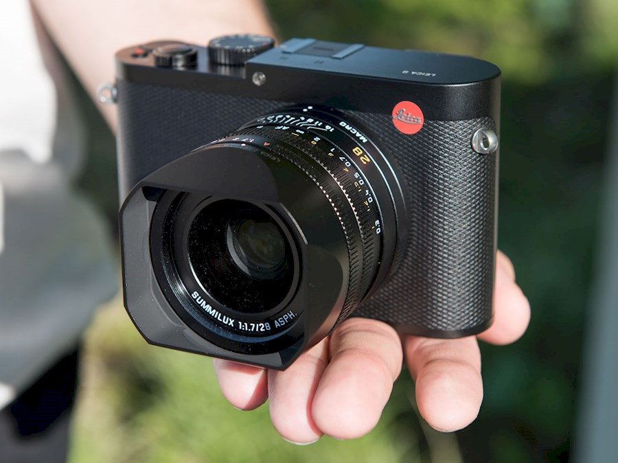Rent a Leica Q + 2 batteries + SD flash card in Amsterdam from Alexander