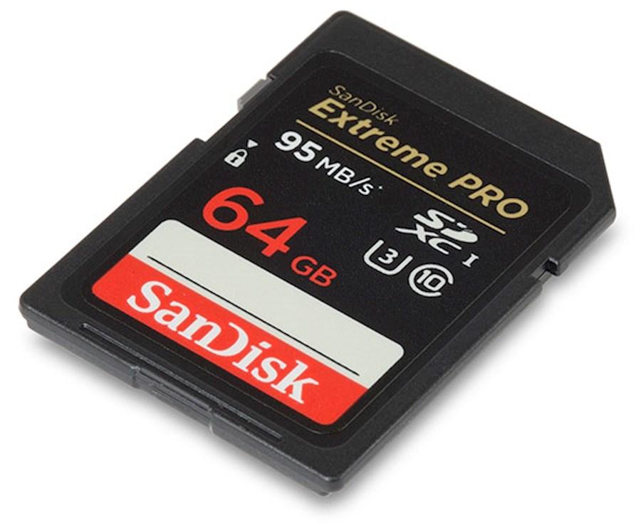 Huur een Set van 3 Sandisk geheugenkaarten in Waregem van Bert