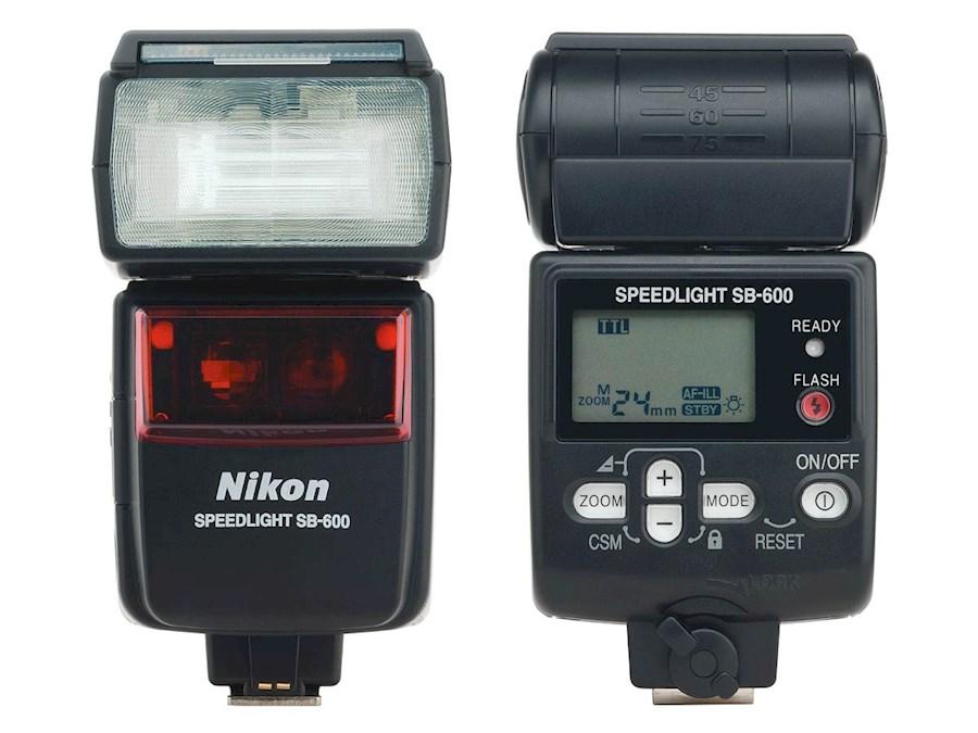 Rent Nikon SB600 Flitser from Bert