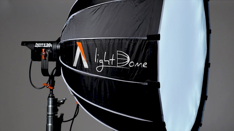 Louez Aputure Light Dome met... de Mitchell