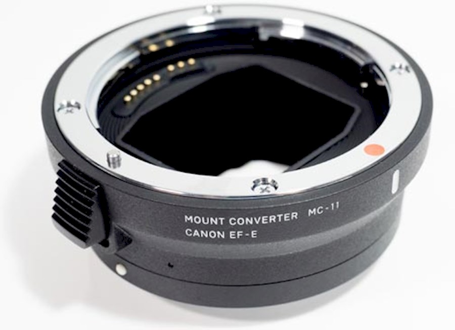 Rent Sigma MC-11 Mount Conv... from Tijs