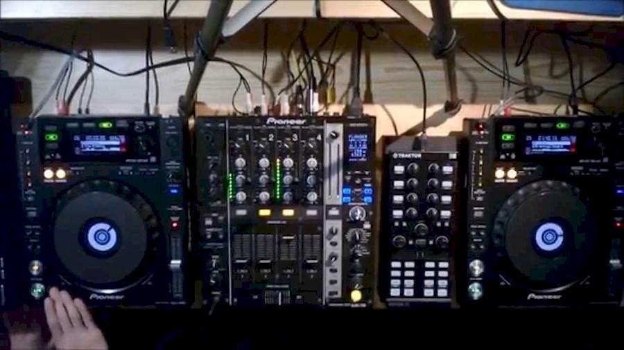 Huur Pioneer DJ-set met DJM... van VOF Of My Life