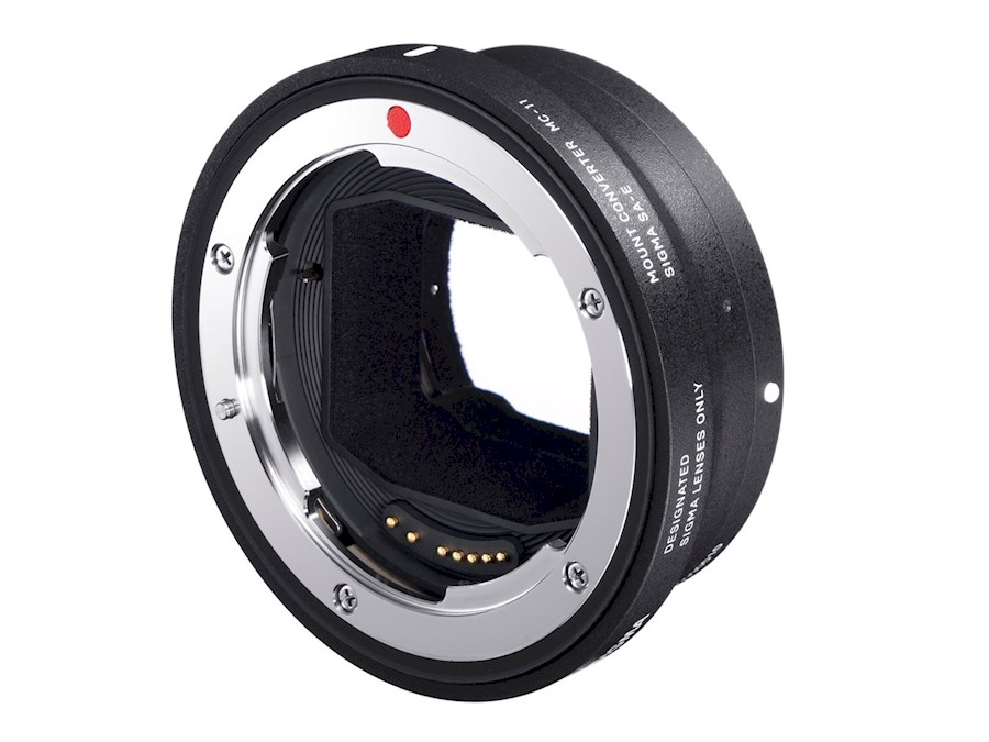 Huur een Sigma MC-11 / Canon EF to Sony E-Mount adapter in Gent van Hillewaert, Steije