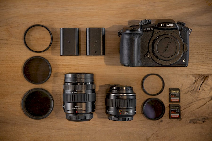 Rent a GH5 SET: Lumix 25mm 1.4 & 12-35mm 2.8 inclusief filters in Breda from Tim