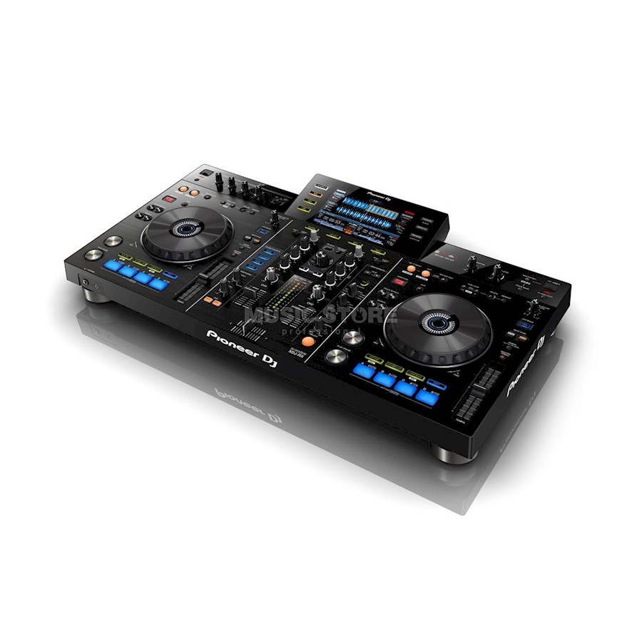 Rent Pioneer XDJ-RX + Fligh... from Dave