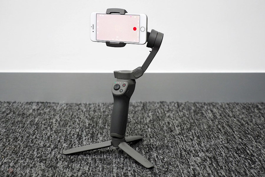 Rent Dji osmo mobile 3 from Afra