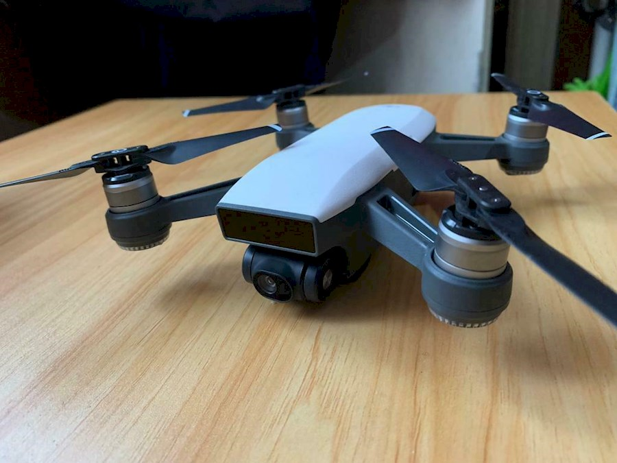 Rent a DJI Spark Fly more combo Drone +  2 accus + controller + case in Maarssen from Erik