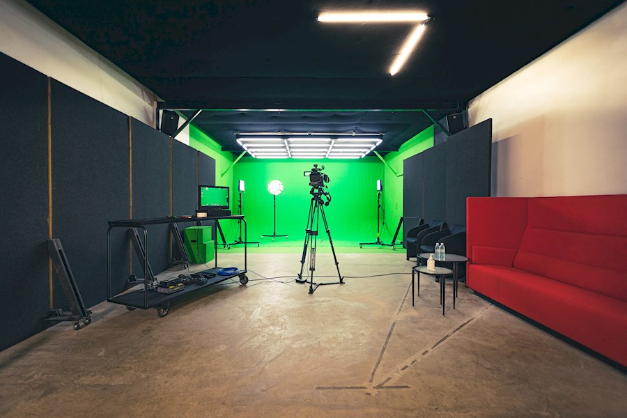Rent Greenscreen Studio from DE MOOR B.V.
