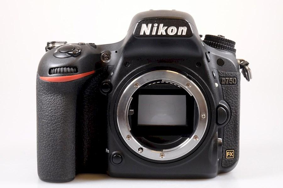 Huur Nikon D750 body van FOTONGRAFIE