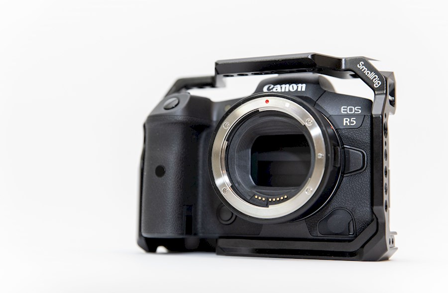 Rent Canon  EOS R5 + EF-RF ... from Tuur