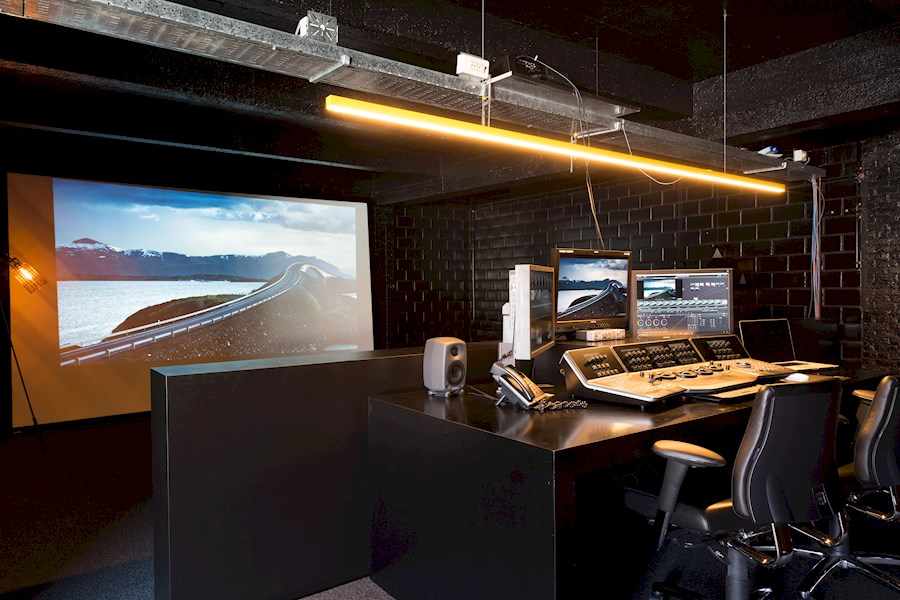 Rent a Colorgrading suite (Brussels - Laken) in Bruxelles from BVBA MOXY