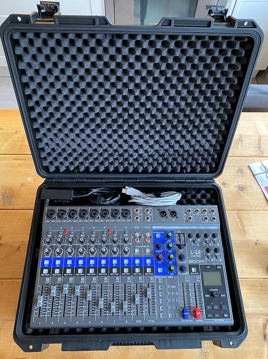 Huur Livetrak L-12 audio mi... van V.O.F. AUDIONERDS