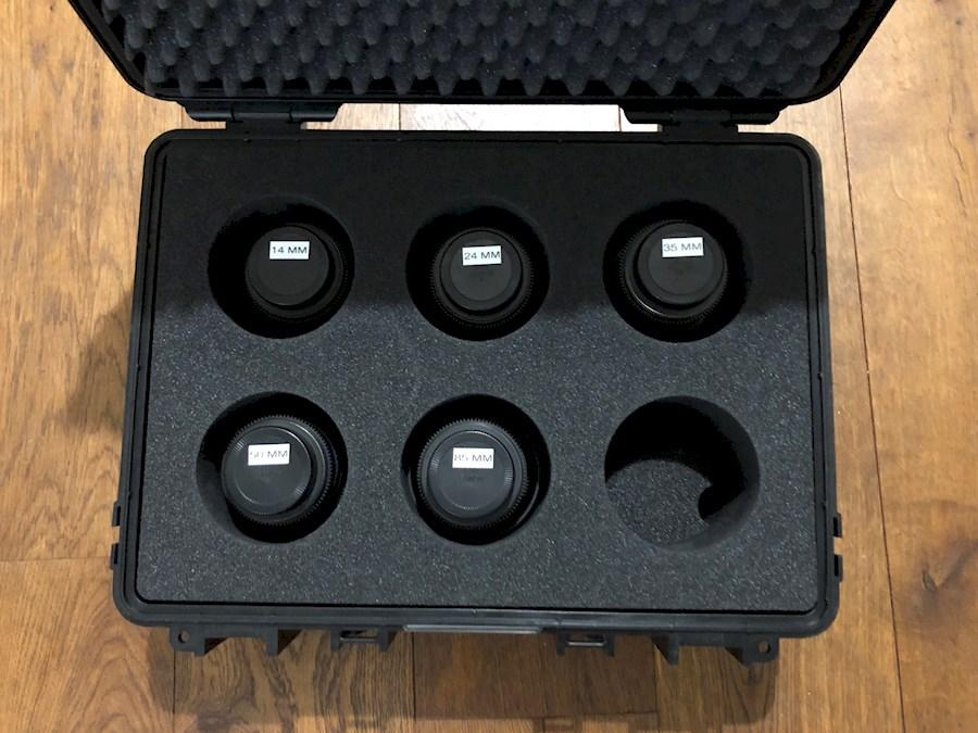 Huur een Samyang Cine set Canon mount. 14mm, 24mm, 35mm, 50mm en 85mm cine lenzen. in Kortenhoef van Thijs