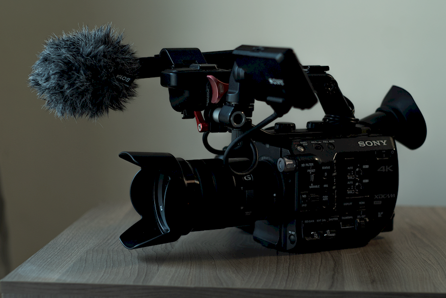 Rent Sony FS5 set from Kadir