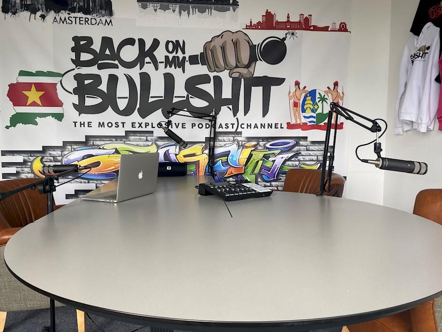 Louez Podcast studio te huur de Leroy