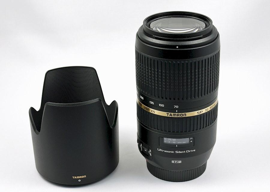 Rent a Tamron 70-300 LENS + UV filter + Lens Hood in Rotterdam from Raz
