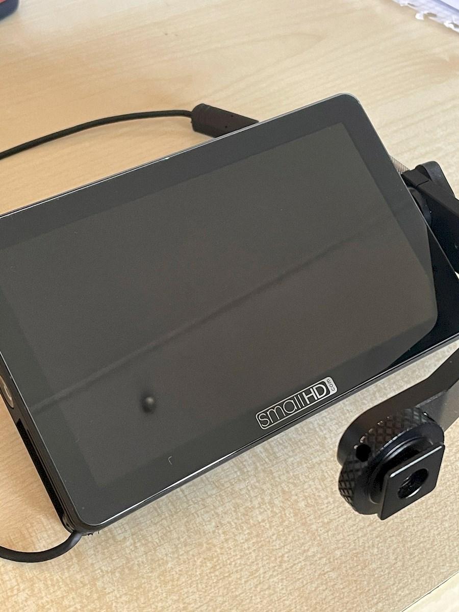 "Rent a SmallHD Focus 5"" OLED monitor in Alphen aan den Rijn from Roeland"