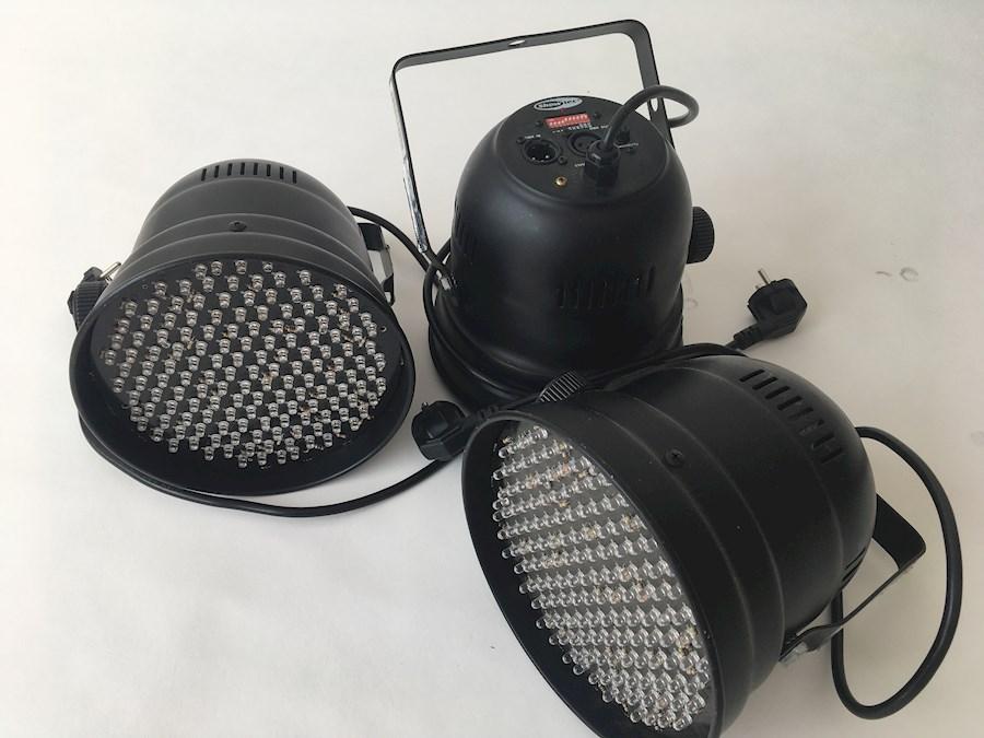 Louez Showtec LED PAR56R de Raz