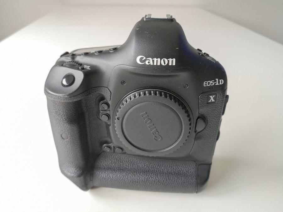 Huur een Boitier photo Reflex Professionnel Canon 1DX 1D X - Plein Format in Saint-Michel-sur-Orge van Denis
