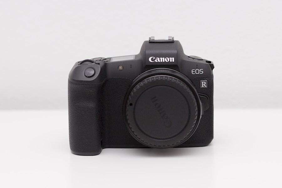 Huur Canon Eos R + Mount Ad... van Ionel