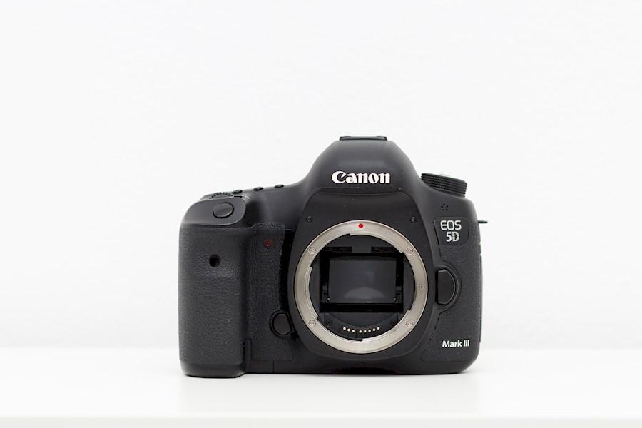 Huur een Canon 5D Mark III Dslr full frame camera body in Kesteren van Ionel
