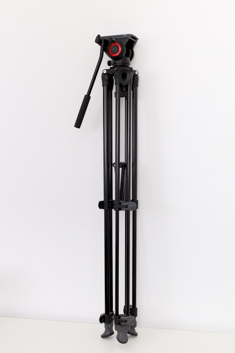 Rent Manfrotto pro fluid vi... from Ionel