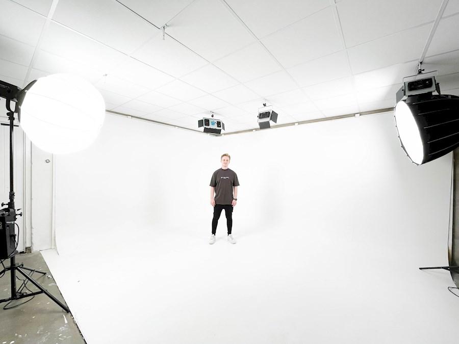 Rent a Limbowand/rondwand studio ruimte Delft 30m2 greenscreen in Delft from Koen