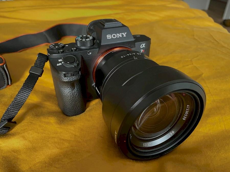 Rent Sony A7R Mark II + 24-... from Nik