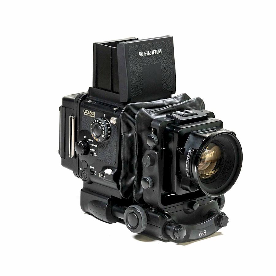 Rent a ANALOG MEDIUM FORMAT CAMERA SET - Fuji GX680III camera with 125mm/f 3.2 standard lens in Halfweg from Bram