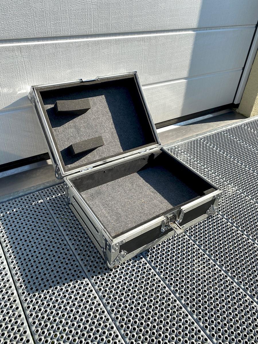 Rent Flight Case CDJ 2000 (... from MUSIC CHAMBER