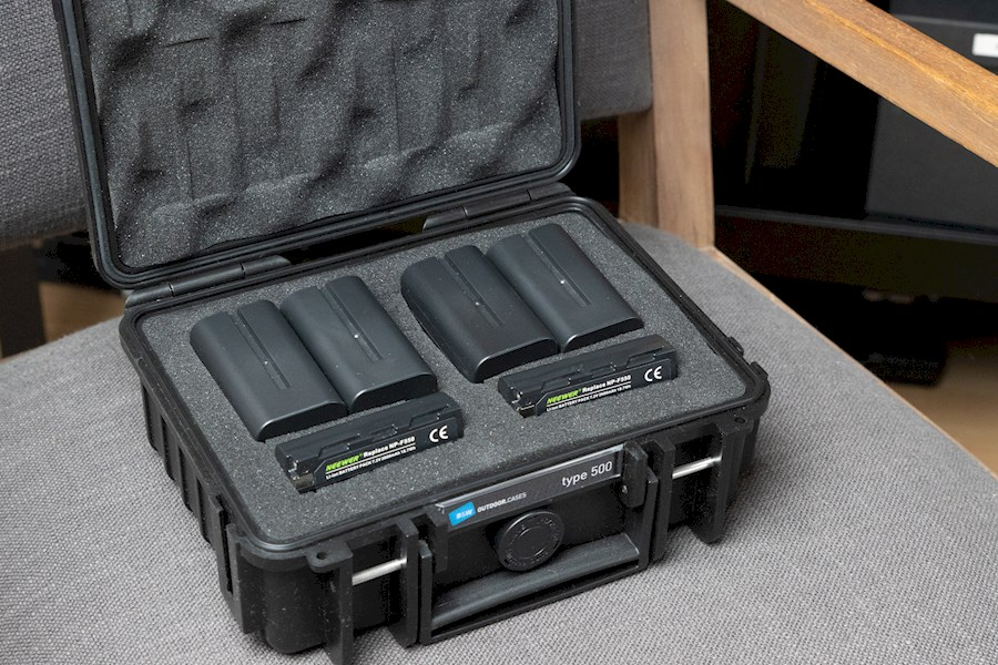 Rent NP-F battery kit | NP-... from Cypers, Wouter